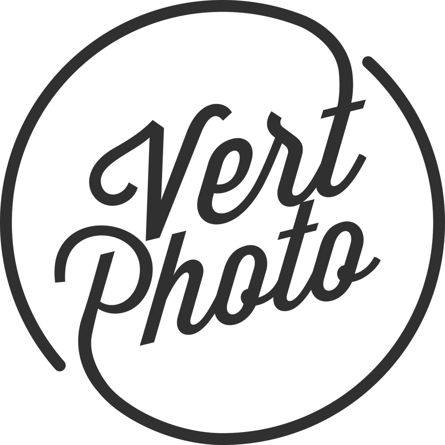 Vert Photo - Modern Wedding Photography by Hunter Thompson