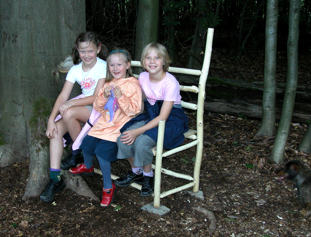 Bench  |  2004  |  wood  |  36 x 30 x 20  |  Darmstadt, Germany