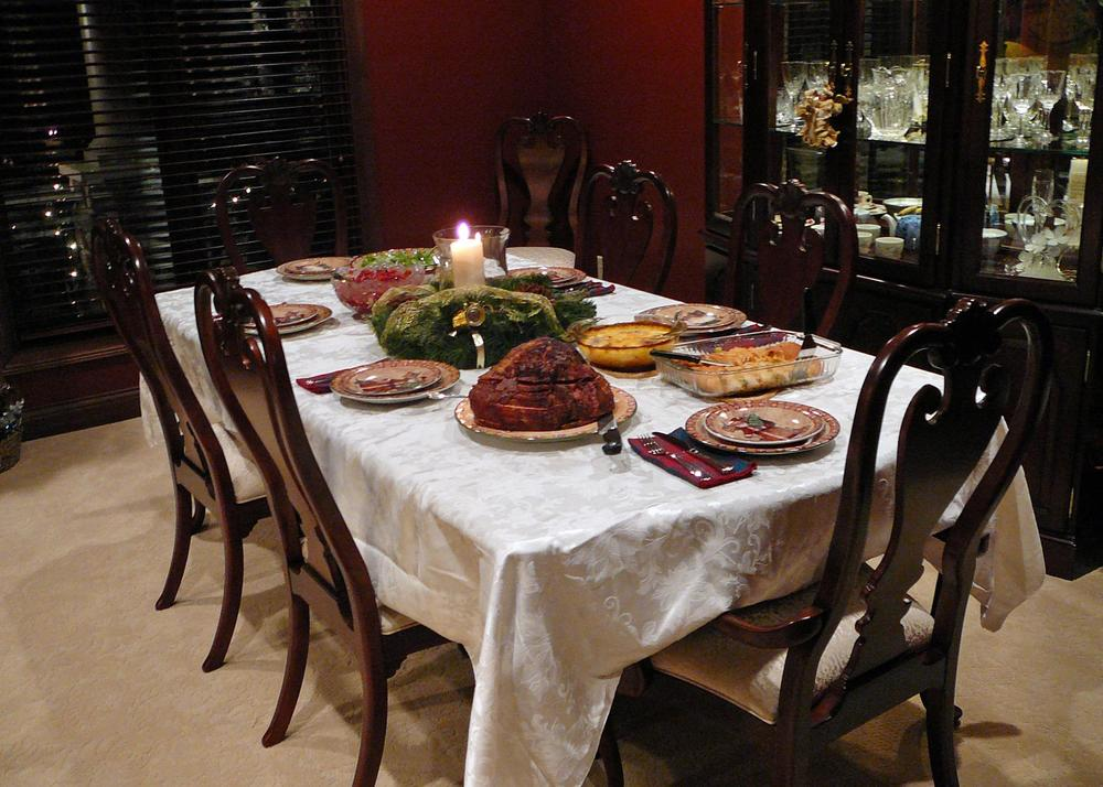 HolidayTable.jpg