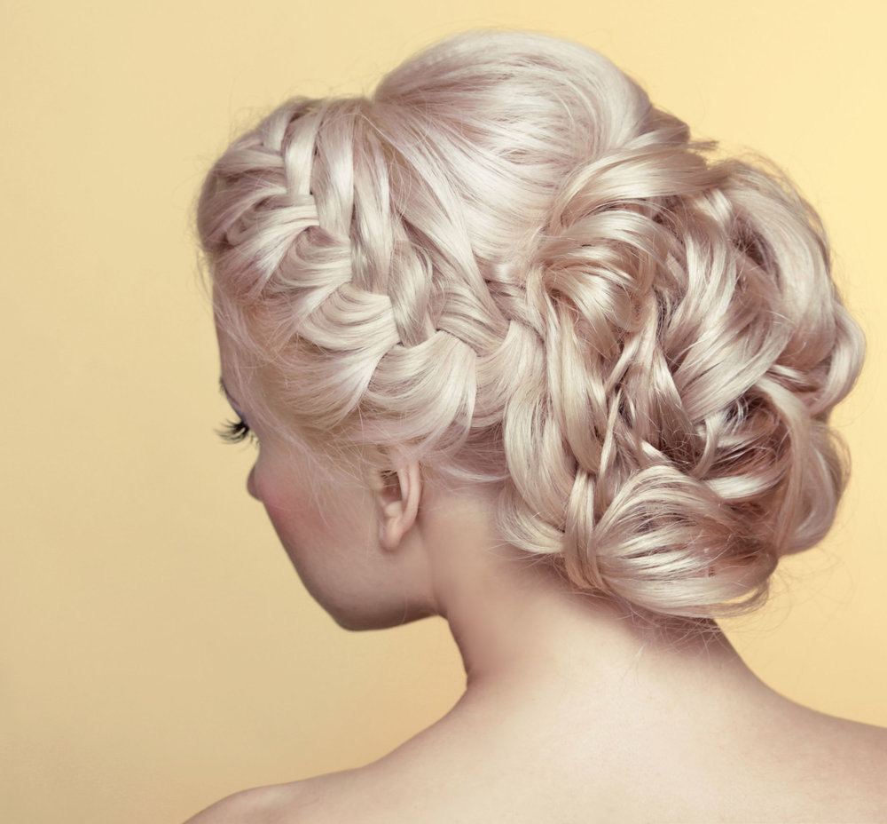 29143529 - beauty wedding hairstyle. bride. blond girl with curly hair styling