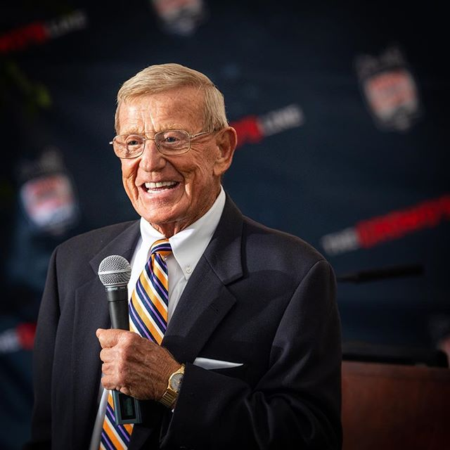 The other night I had the opportunity to photograph Lou Holtz and Mark May at The Kentucky Castle in Versailles for The Crowd's Line. Lou gave a great speech and somehow tore a newspaper to shreds and magically put it back together. #Kentucky might have a new #bourbon fan too!  @thecrowdsline #LouHoltz #coach #motivational  #motivation #louisvilleeventphotographer #eventphotographer #nortedame #football #collegefootball #louisville