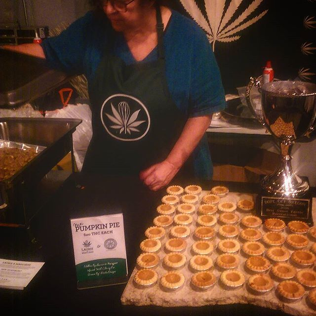 Happy Danksgiving, everybody! We had such a great time this weekend at #danksgiving put on by #oregonleaf. A big thanks to @7pointsoregon for their donation of Cherry Pie - a ridiculously amazing hybrid strain they cultivate - used to infuse the pumpkin pie and the stuffing. #edibles #portland #potland #marijuana #cannabis
