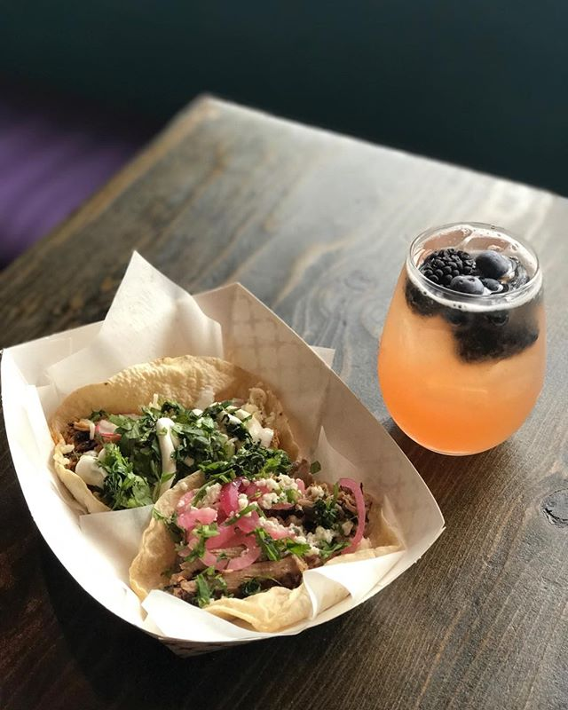 It's Tuesday, so you know what that means, Tacos!!!! Come get your fill at @lasreinaschi and wash them down with a $5 Rosé Sangria. #tacos #tacotuesday #goodeats #rosé #sangria #rosésangria #lakeview #lakeviewchicago #chicago #deals #eatlocal