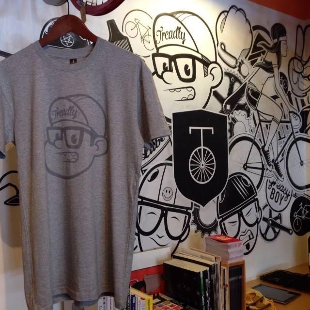 Treadly Bike Shop x Be Friendly grey tee