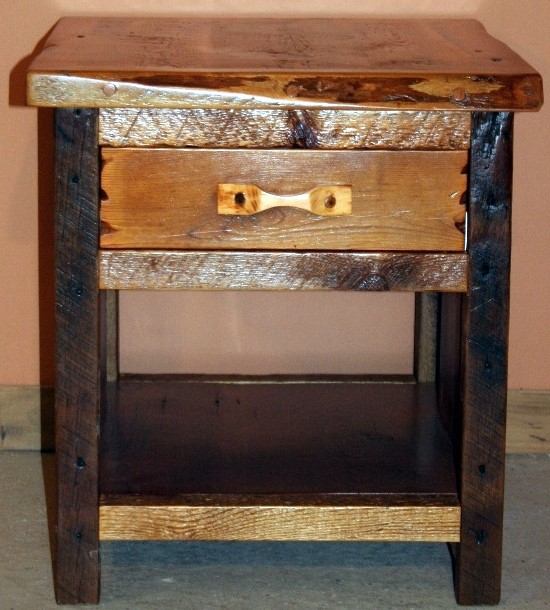 Barnwood Night Stand-sm.JPG