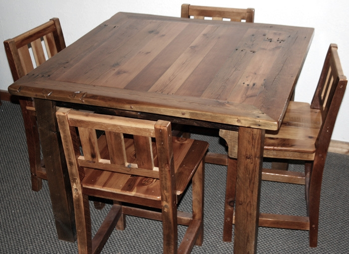 Barn wood bar table chairs jpg Restaurant tables and chairs
