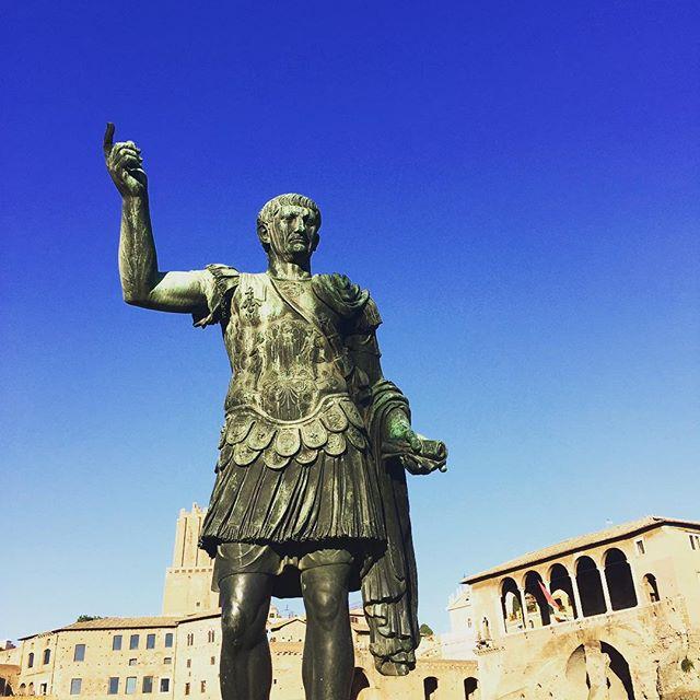Hi Five #italy #rome #roma #history #ceasar #statue #manadrift