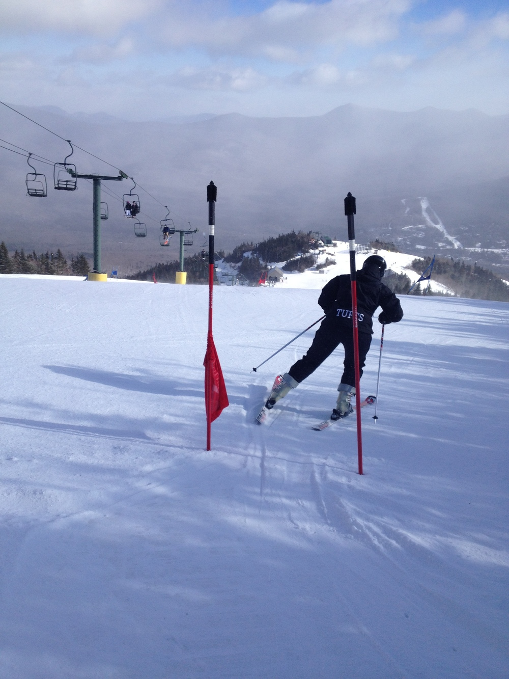 Junior Emily Taintor in a giant slalom course