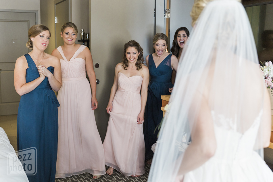 wedding_dress_reveal_pezzphoto