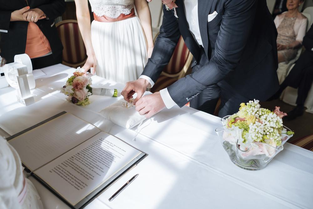 Hochzeitsfotograf-Schlossruine-Hertefeld-Weeze-077.jpg