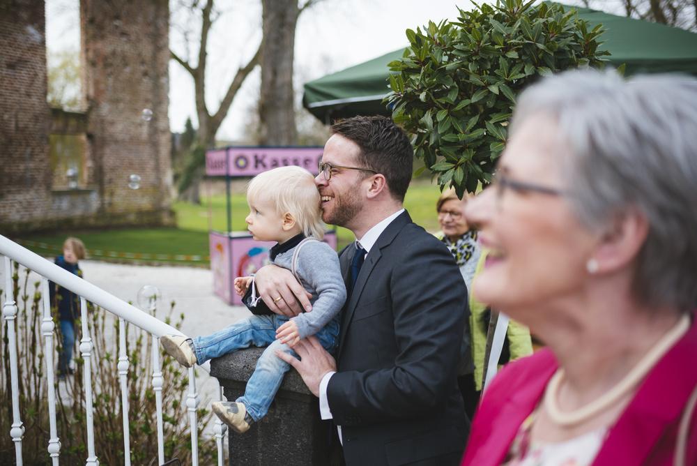 Hochzeitsfotograf-Schlossruine-Hertefeld-Weeze-091.jpg