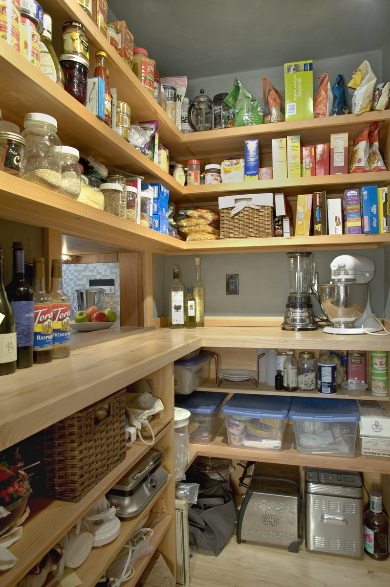 Kitchen_pantry.jpg