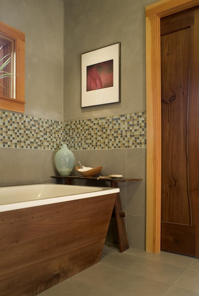 Bathroom_tub detail.jpg