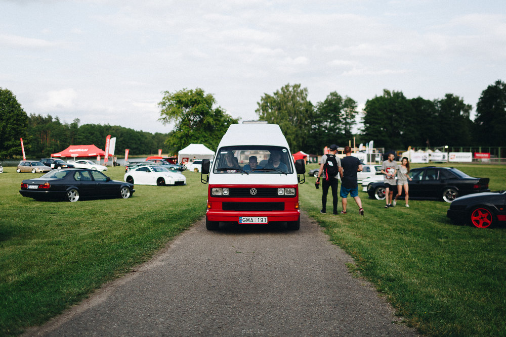 VW Caravelle H6