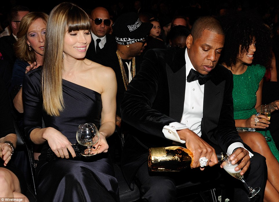 Jay Z, pouring dollars!