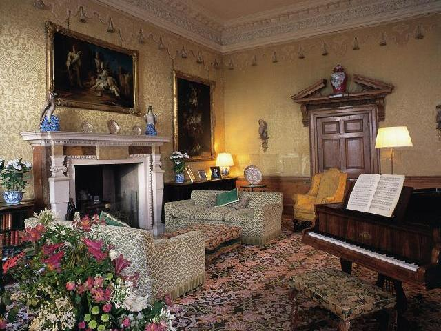 Leeds Castle Drawing Room