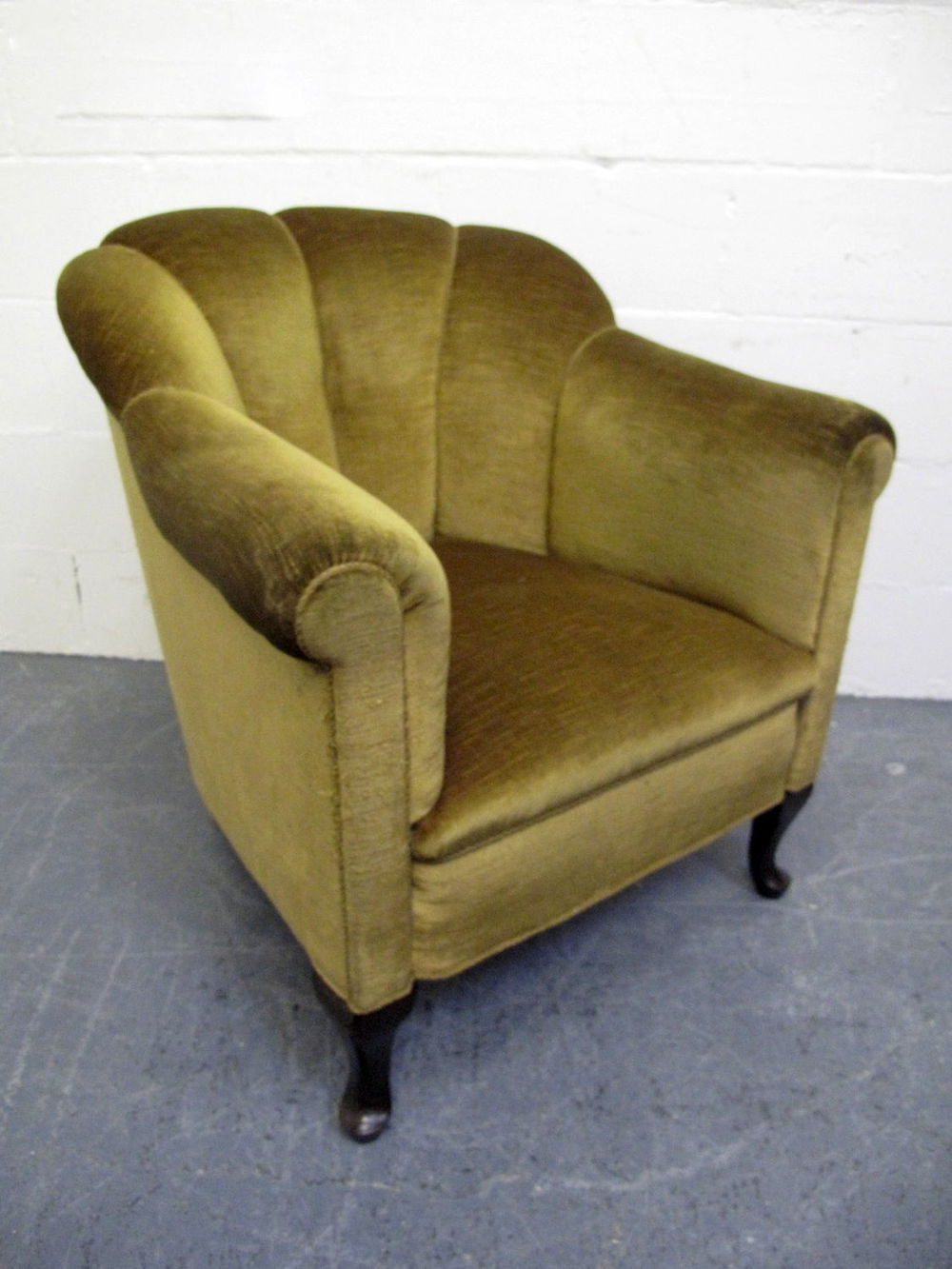 Art Deco Shell Armchair Green Velvet
