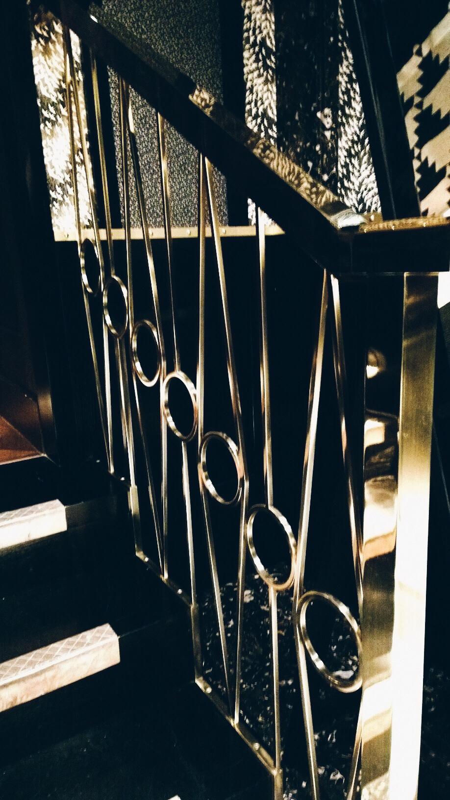 bob bob ricard railings