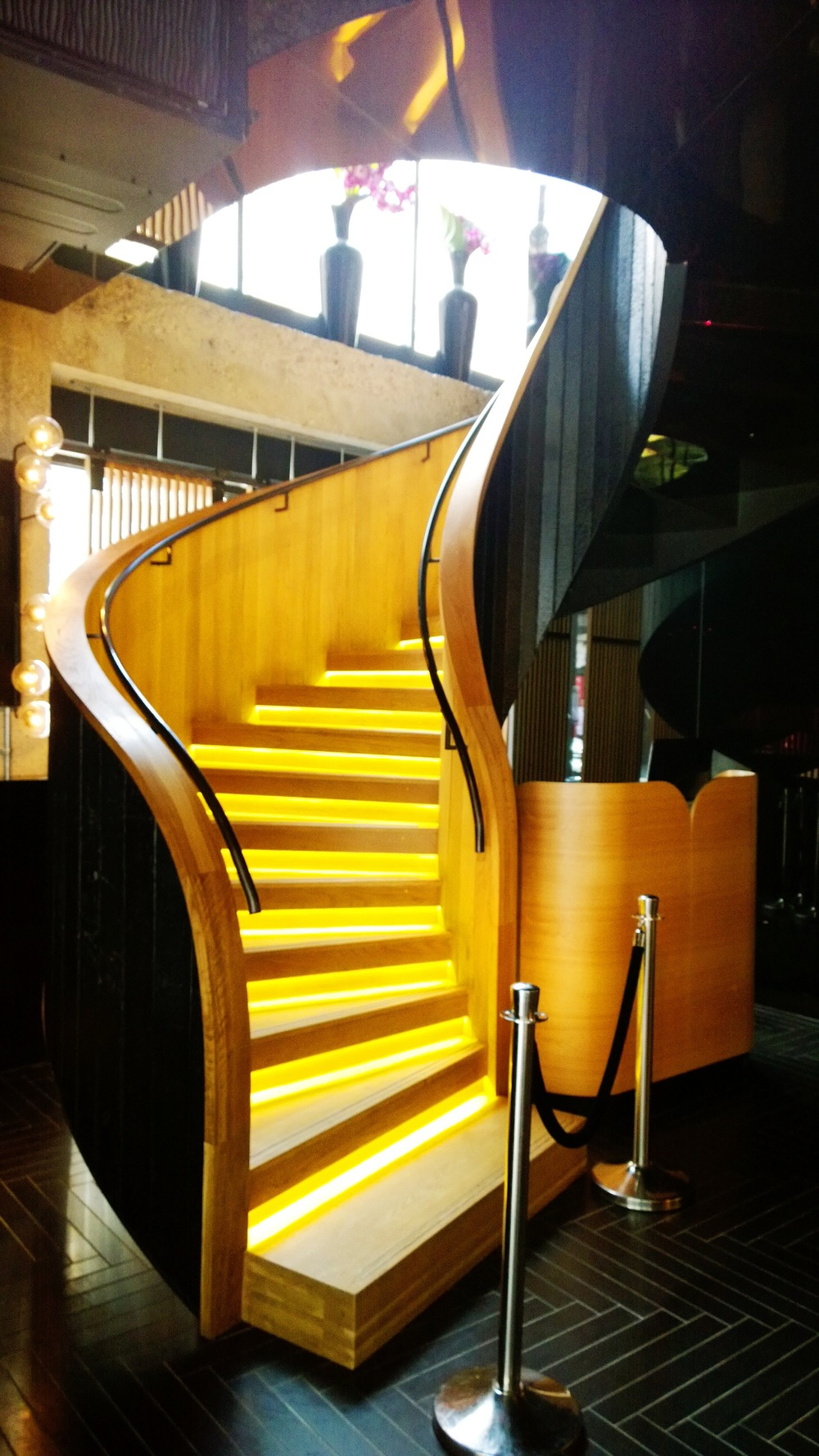 chotto matte spiral staircase