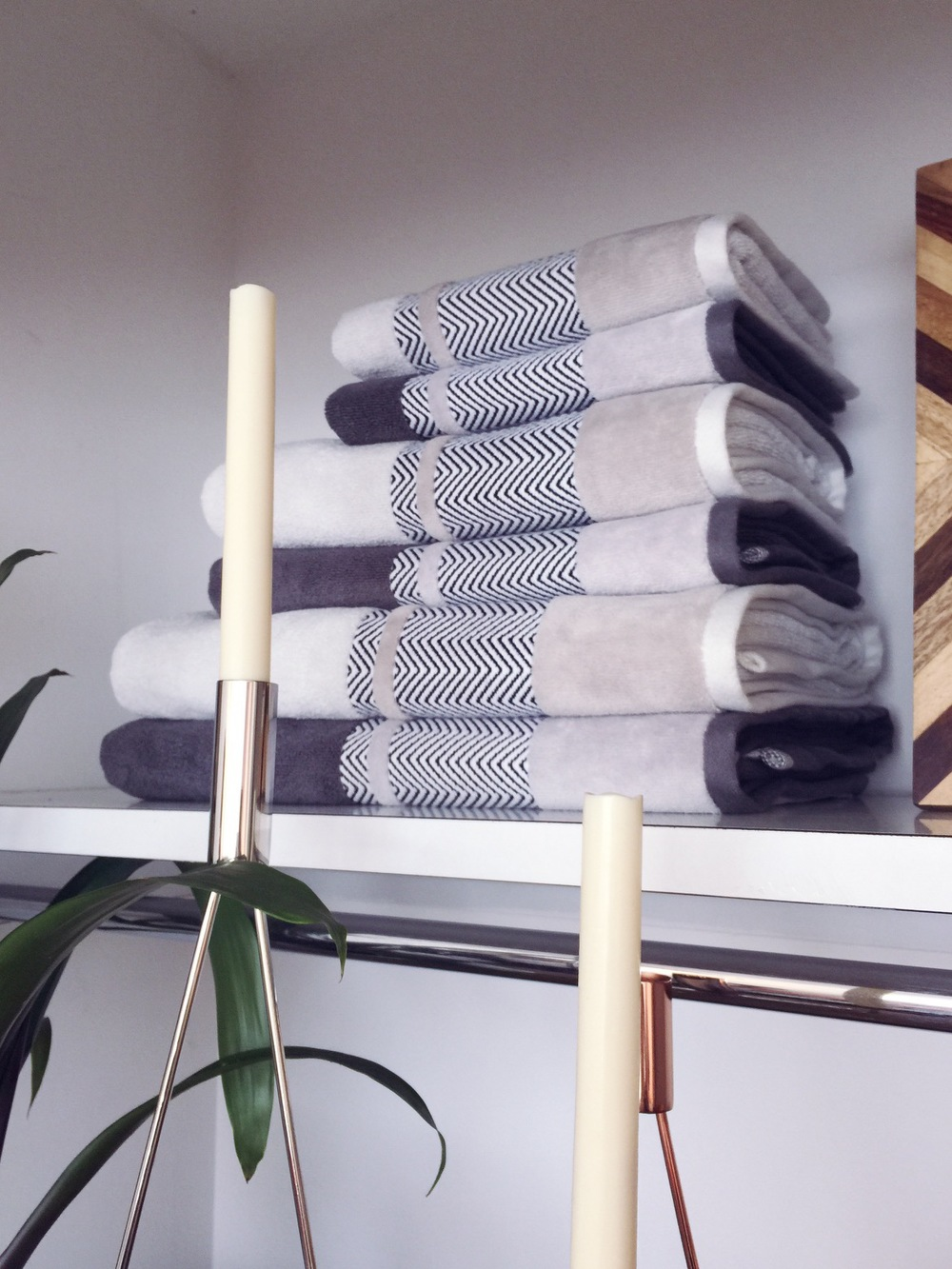 monochrome towels