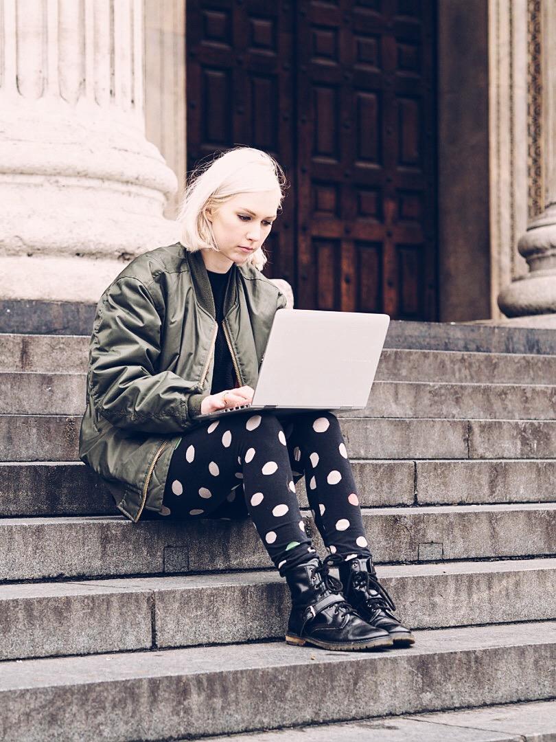 sarah akwisombe blogger