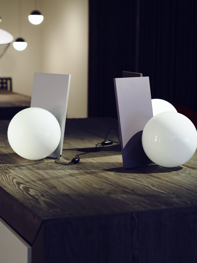 flos michael anastassiades extra light