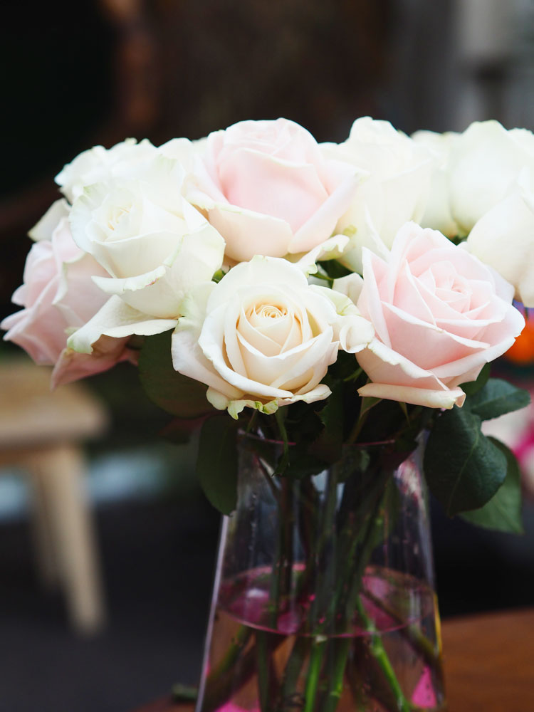 In this post I'm sharing how to make a hand tied bouquet, using any flowers but dusky pink roses or peonies are absolutely beautiful. Would be perfect for a DIY wedding bouquet!