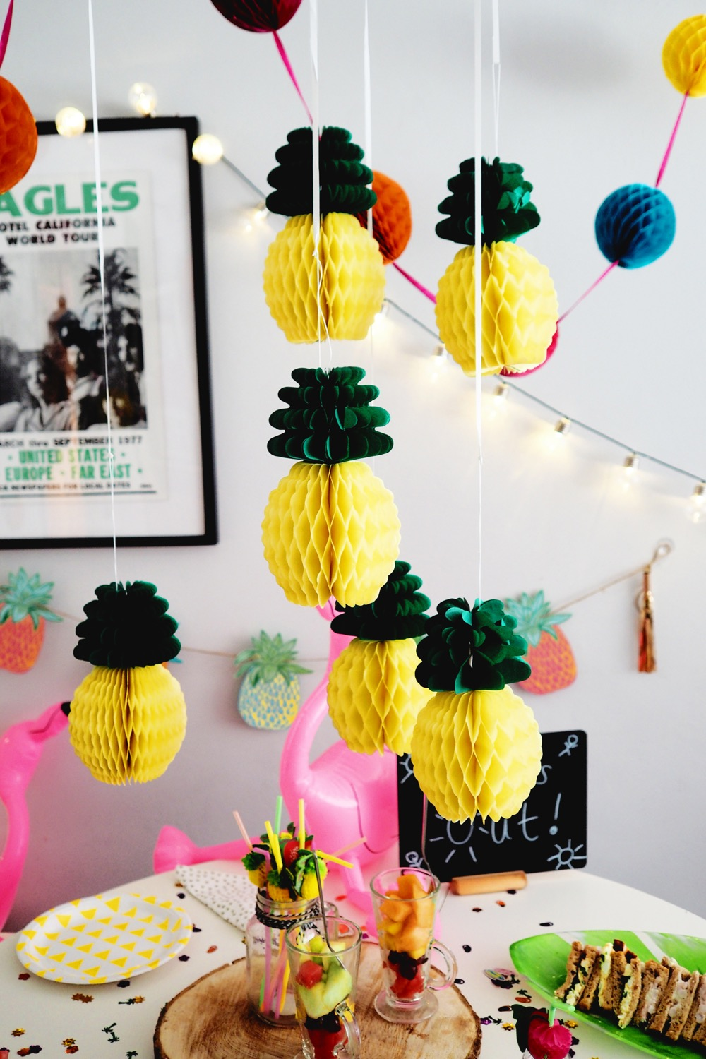 pineapple table centrepiece