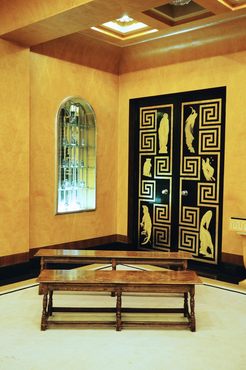 a lesson in art deco interiors at eltham palace —