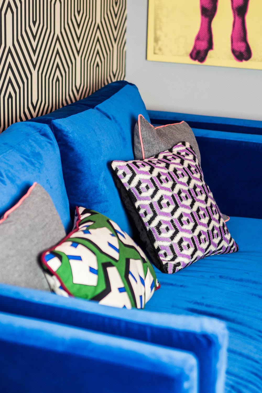 livingroomreveal_SA_HiRes_028.jpg