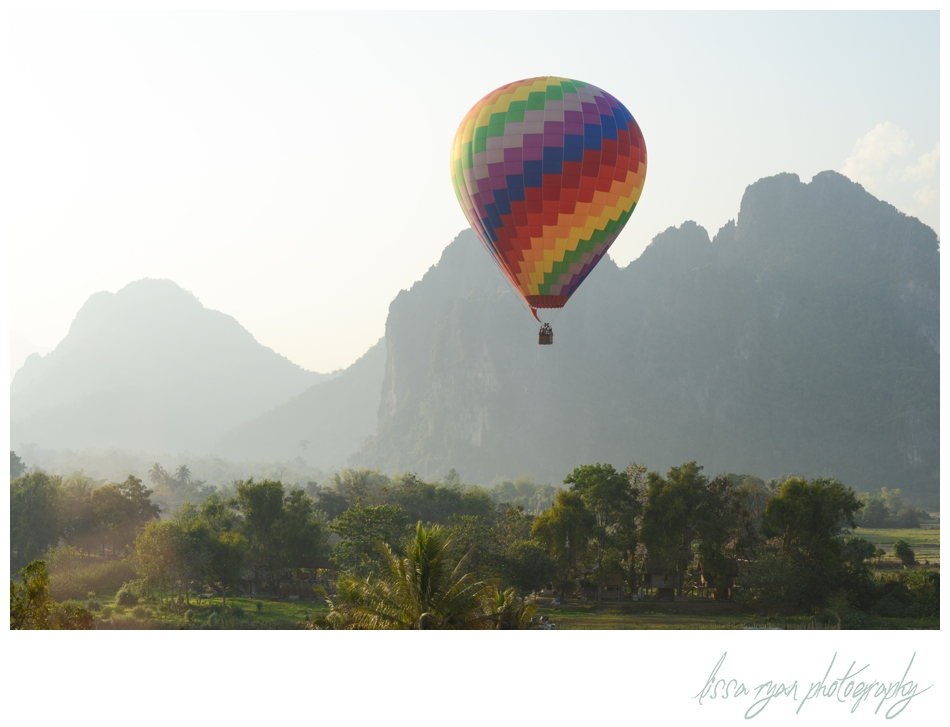 vang vieng laos hot air balloon