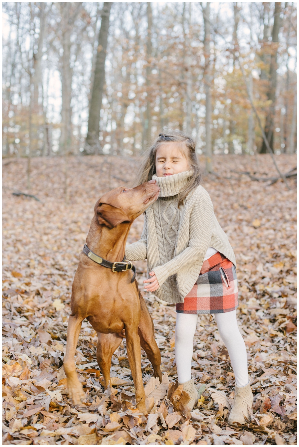 2014 bloopers lissa ryan photography family session puppy kisses