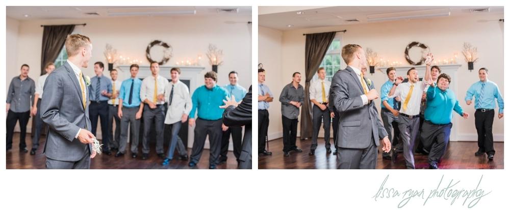 stevenson ridge virginia wedding photographer lissa ryan photography teal and yellow wedding