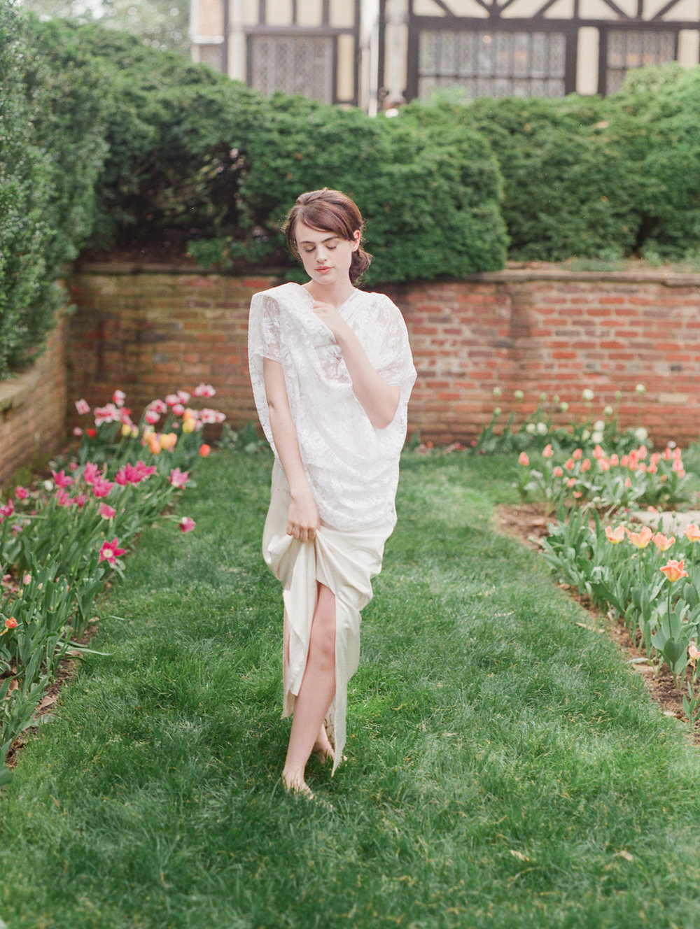 fine art film beauty boudoir photographer outdoors english garden lissa ryan photography