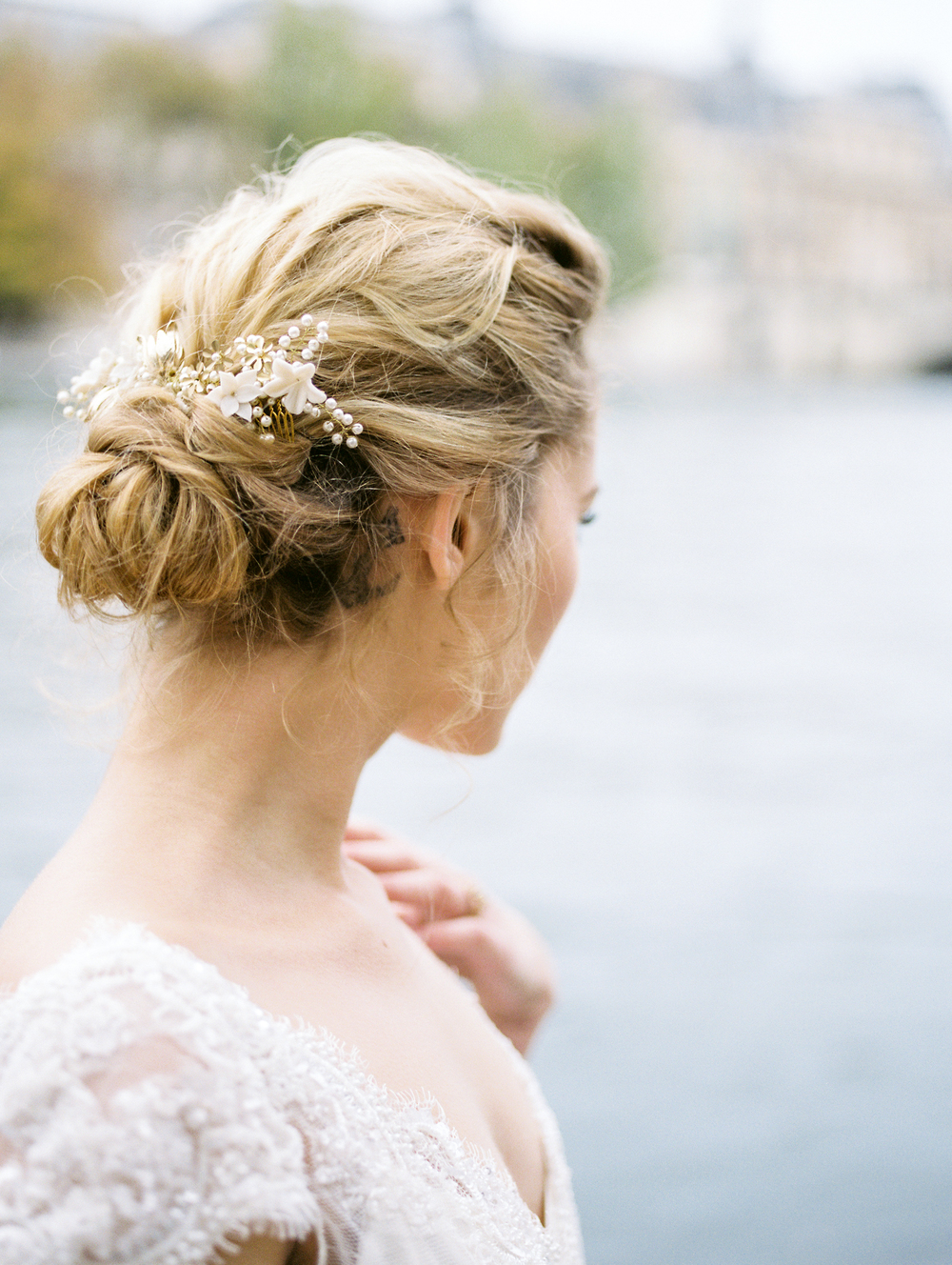 on the banks of the seine destination wedding photographer paris bride lissa ryan photography