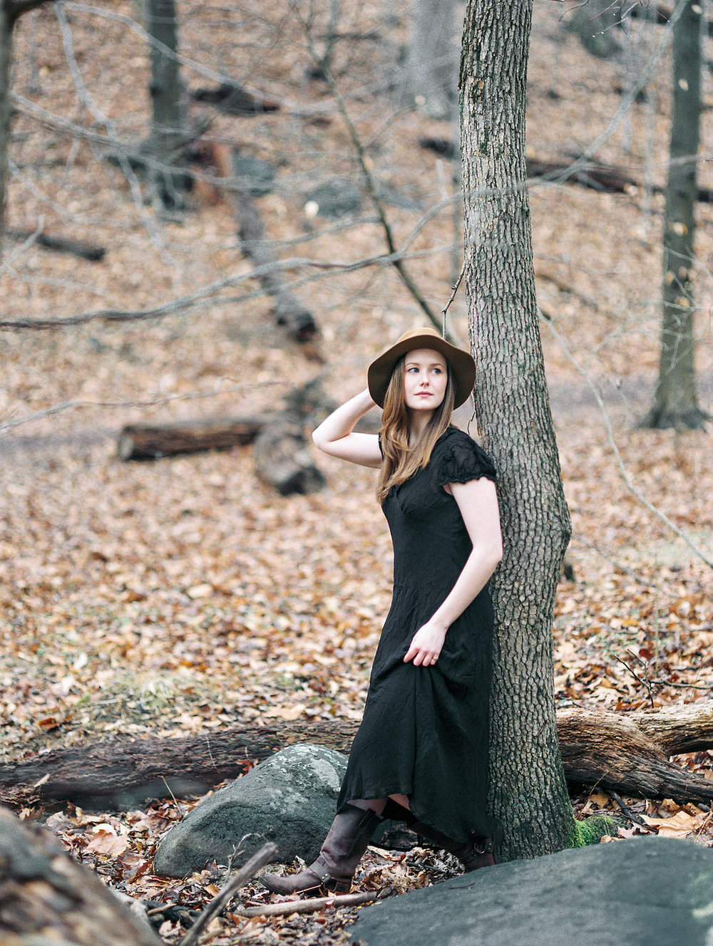 wintry fine art portraits in rock creek park washington dc film photographer lissa ryan photography