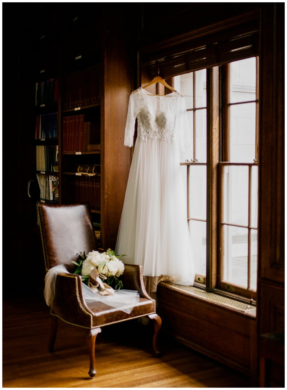 Spring wedding at the Carnegie Institution for Science in Washington DC by fine art photographer Lissa Ryan Photography