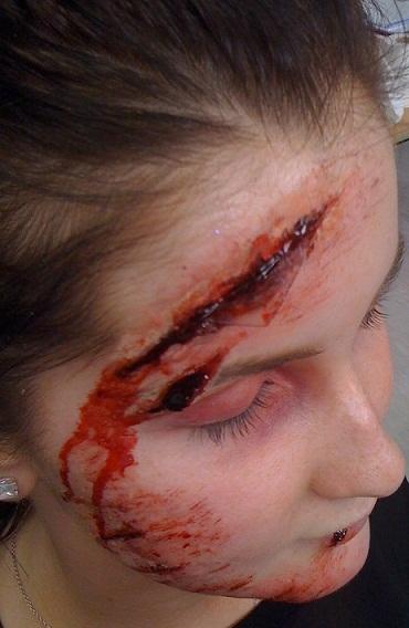 special effect makeup - Broken glass cuts