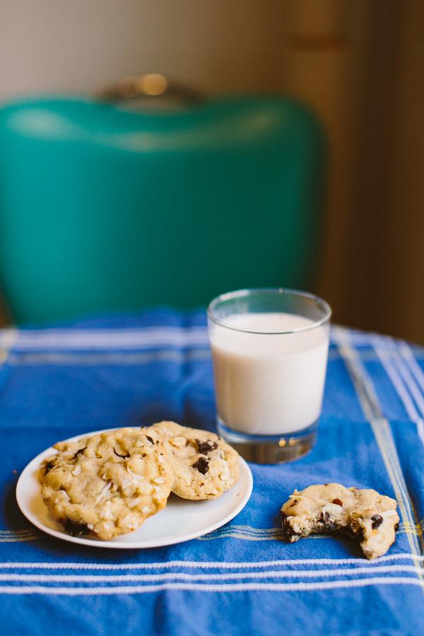 Almond Joy Cookies // Becca Bakes (www.becca-bakes.com)