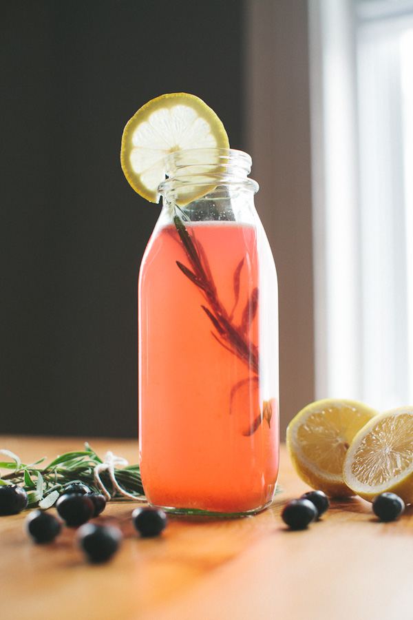 Blueberry Lavender Lemonade | Becca Bakes (www.becca- bakes.com)