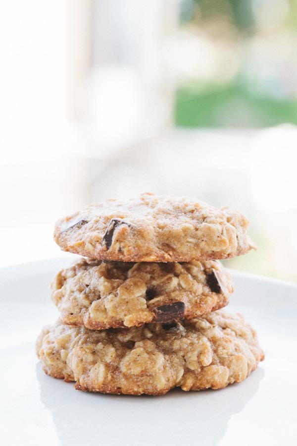 Banana Oatmeal Chocolate Chunk Cookies | Becca Bakes (www.becca-bakes.com)