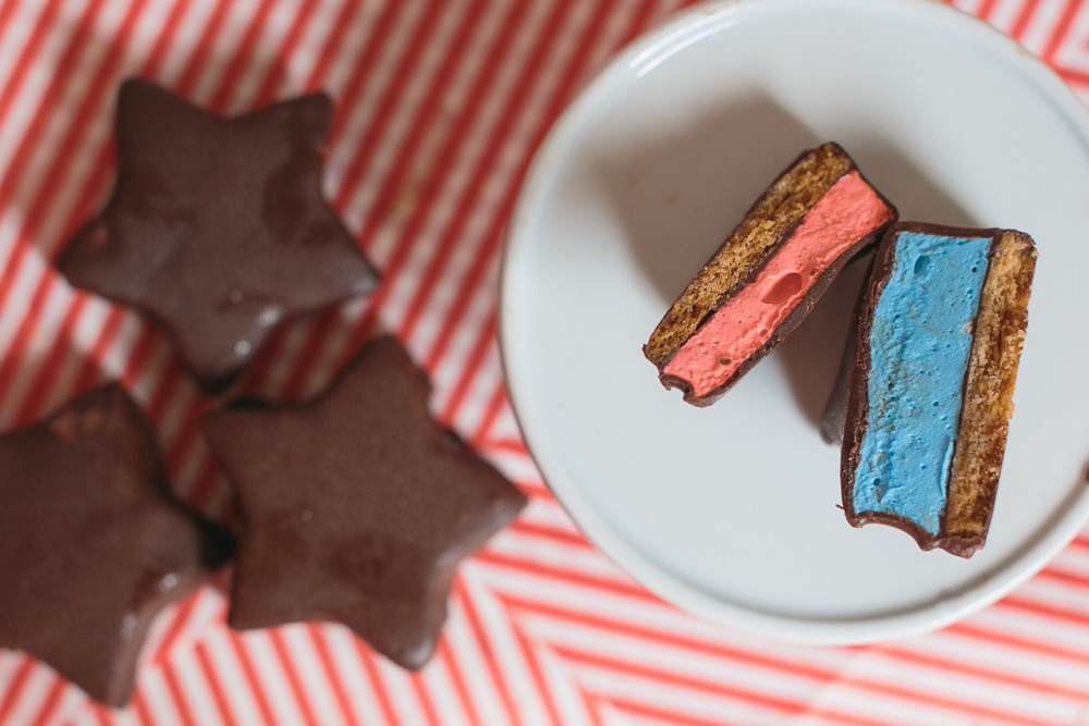 Fourth of July Mallo-Stars (Homemade Mallomars)