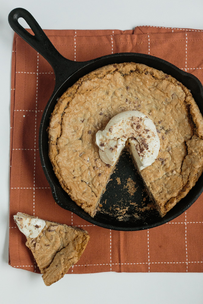One Bowl Cast Iron Skillet Heath Bar Cookie | Becca Bakes (www.becca-bakes.com)
