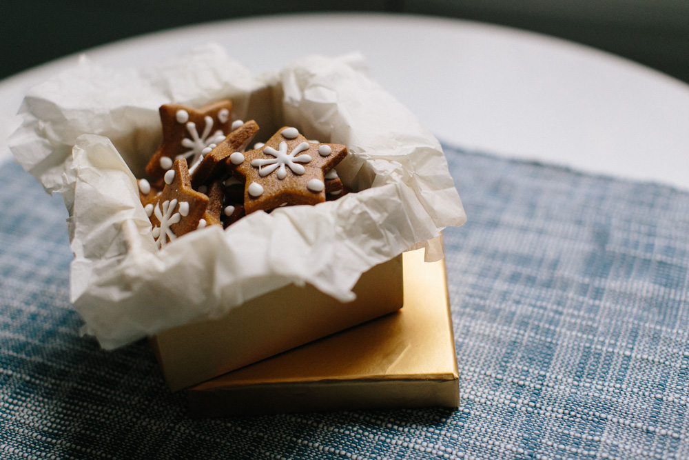 Classic Holiday Gingerbread Cookies | Becca Bakes (www.becca-bakes.com)
