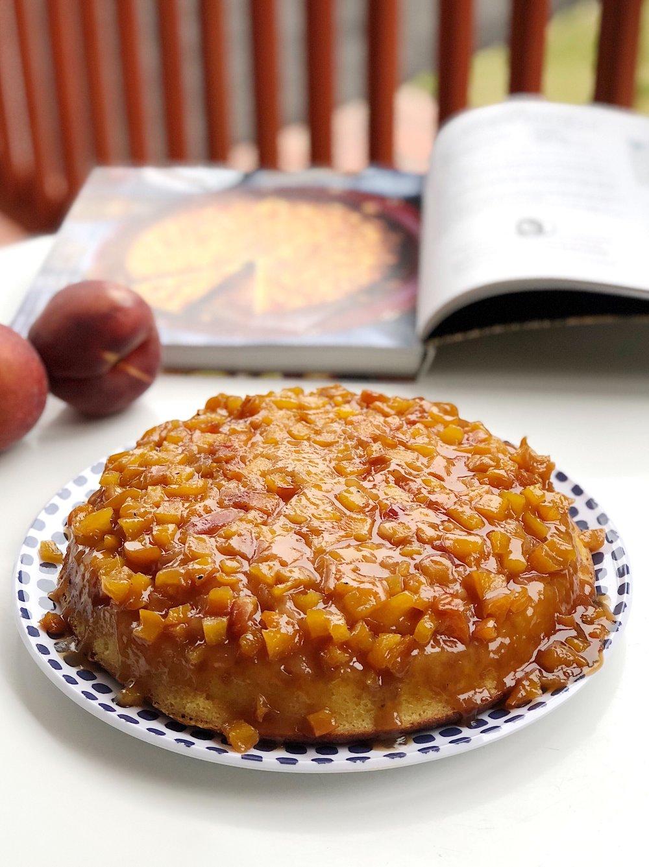 Summer Peach Skillet Upside-down Cake | Becca Bakes www.becca-bakes.com