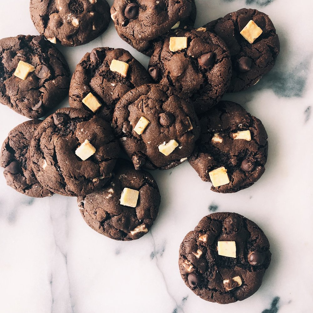 Chocolate Peppermint Cookies | Becca Bakes (www.becca-bakes.com)