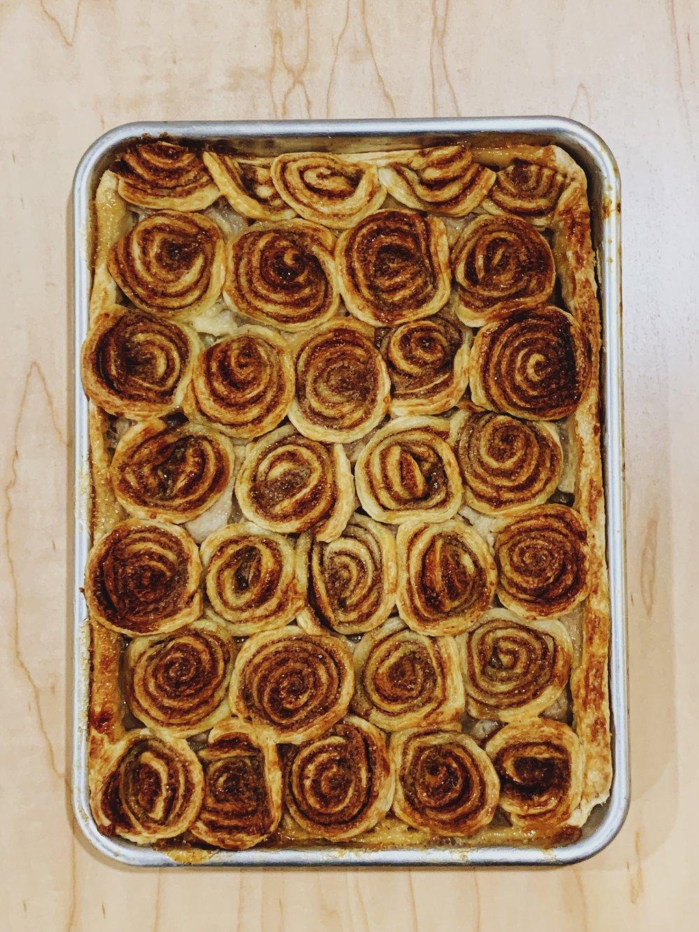 Swirled Apple Slab Pie | Becca Bakes (www.becca-bakes.com)