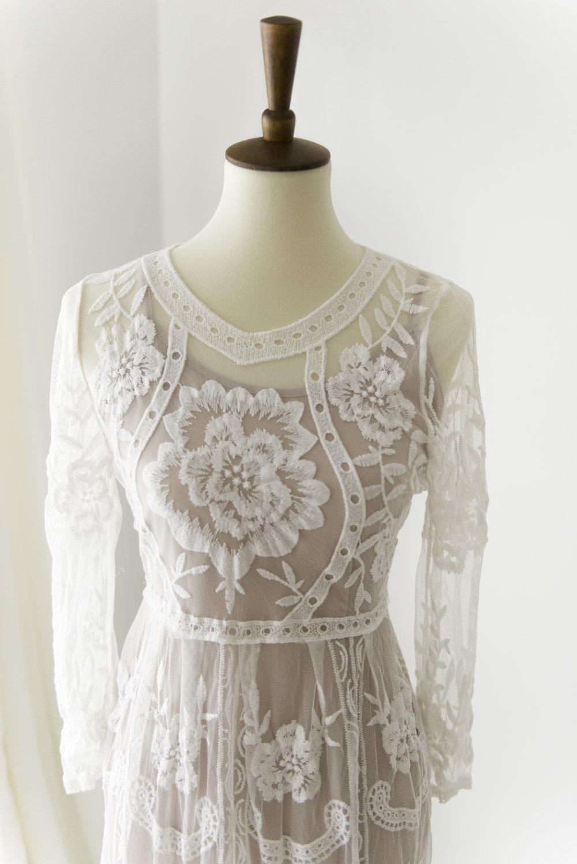 white lace dress maternity session newborn design