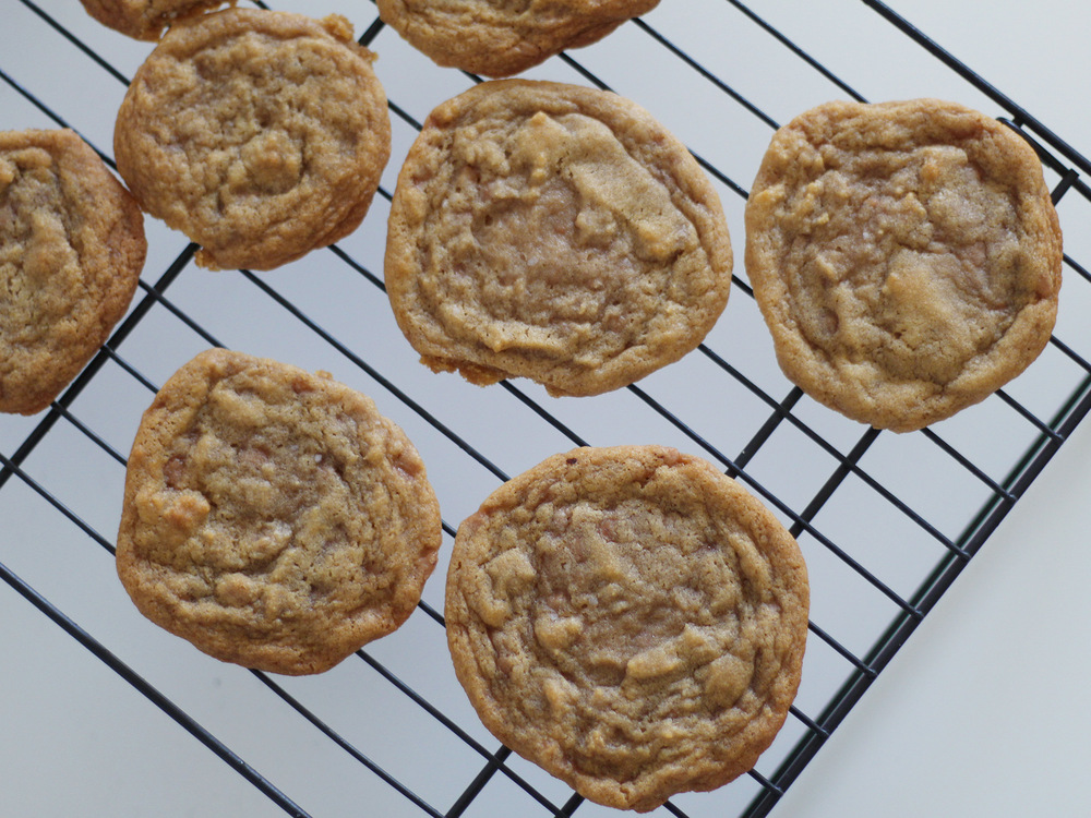 Salted Skor Bit Cookies