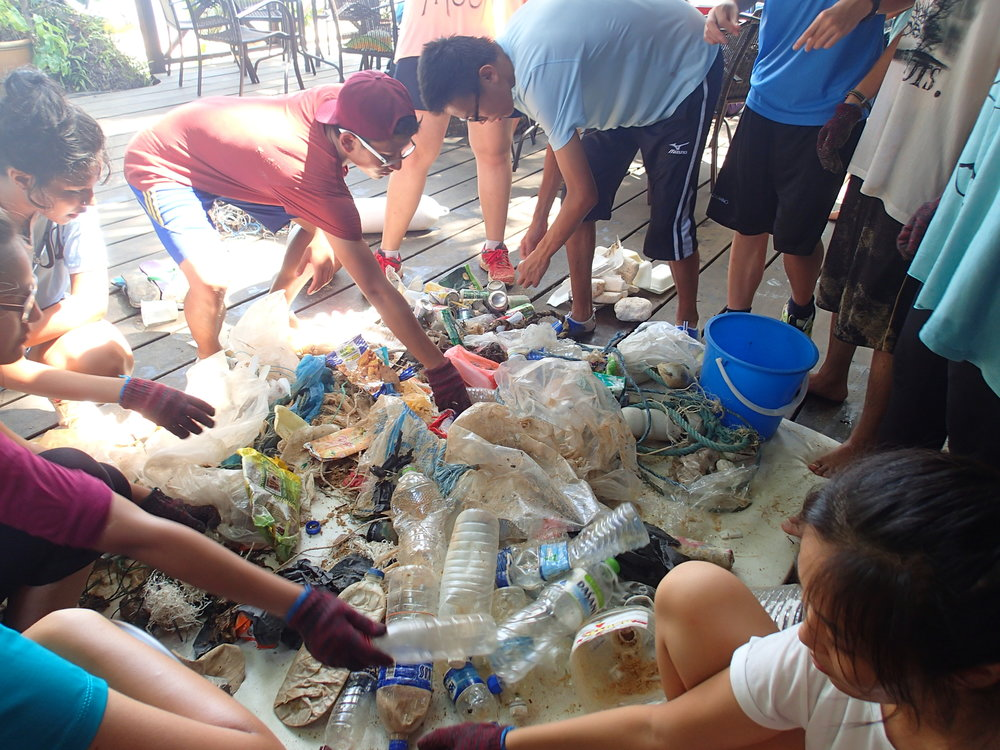 Tioman, Beach Clean Up, Melina Beach, Sorting Rubbish, Students 1.JPG